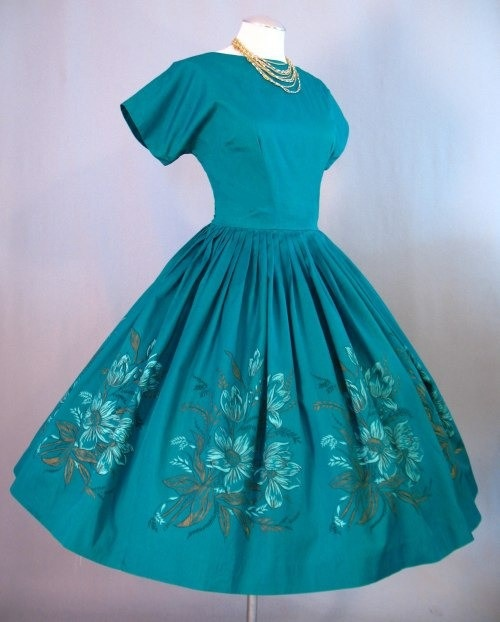 Eww Ewww...CAP Sleeve and fitted bodice.   Pretty!!!  Vintage 50s Dress Full Skirt Emerald Border Print Medium bust 39 $225 at Couture Allure Vintage Clothing