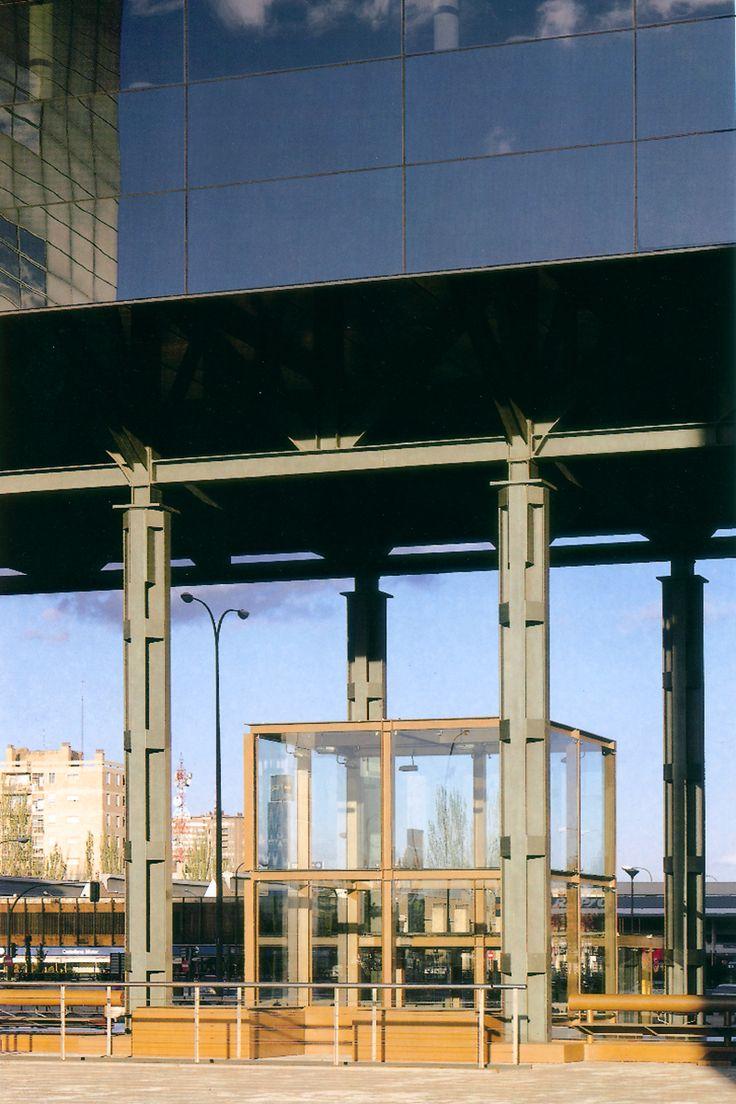 Sede Aresbank. Madrid 1994. allende arquitectos. Premio III Bienal de Arquitectura
