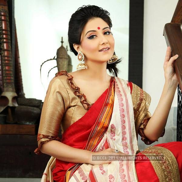 Swastika Mukherjee: Claim to fame: This Bongshell (yes, that's what she is!) was in the news for her off-screen camaraderie with filmmaker Srijit Mukherji - Photogallery