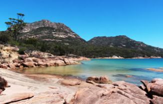 Honeymoon Bay - Freycinet - Discover Tasmania
