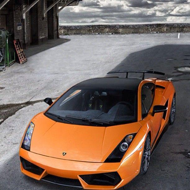 Orange Lamborghini Gallardo stranded in the middle of nowhere!