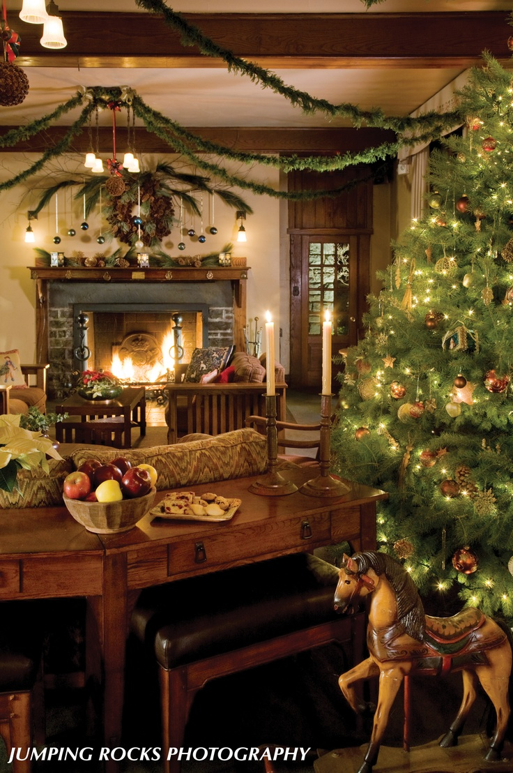 Victorian Christmas Decorations House -