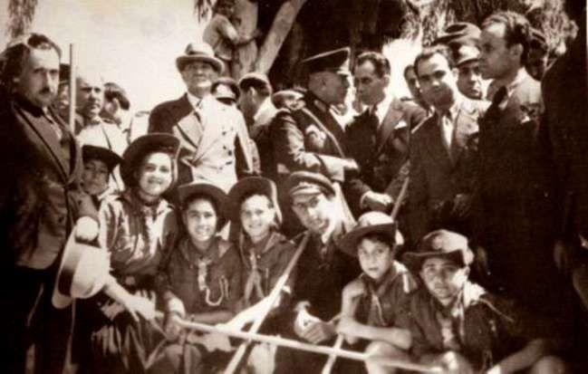 20-mayis-1938-mersin-de-izcilerle.jpg (649×413)