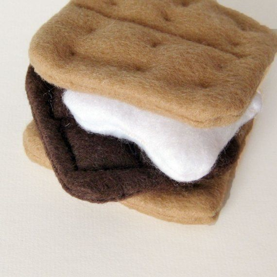 felt smoresSewing Toys, Sewing Projects, Chocolates Marshmallows, Felt S More, Dramatic Plays, Graham Crackers, Plays Food, Felt Food, Food S More
