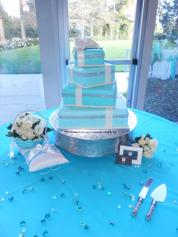 41 best Wedding cake images on Pinterest Bling wedding cakes