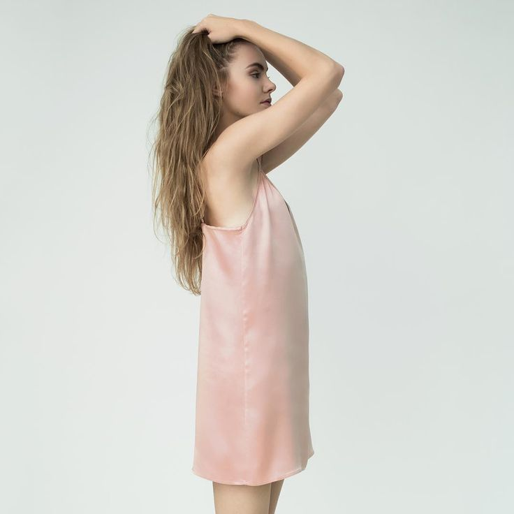 Pure & simple 🍧 #puresilk #pureform #minimal #chic #powderpink #silksatin #classic #classy #sleepinsilk #sleepinsilk #comfort #happiness #premium #quality #slipdress #silklingerie #silksleepwear #shoponline #moyestore #moyehomewear