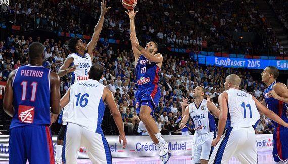 Equipe de France : Evan Fournier sera bien là pour l'EuroBasket 2017 -  Laissé sur le bord de la route l'an passé dans l'aventure des Jeux Olympiques de Rio, et forcément amer,Evan Fournier vient néanmoins d'annoncer qu'il sera bien de la partie pour… Lire la suite»  http://www.basketusa.com/wp-content/uploads/2017/04/evan-fournier-570x325.jpg - Par http://www.78682homes.com/equipe-de-france-evan-f
