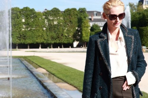 Dispatch from Versailles: Front Row Fashion at Chanel Resort 2013 - Vogue Daily - Vogue: Simultan Fashion, Palaces Of Versailles, Row Fashion, Fashion Show, Shades Dispatcher, Tilda Swinton, Resorts 2013, Chanel Resorts, Front Row