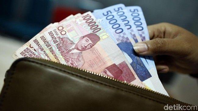 Mimpi dikasih uang 200 ribu togel
