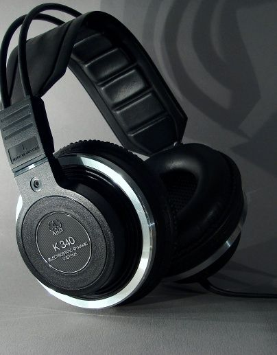 AKG K 340 Electrostativ Dynamic Headphones made by AKG in Vienna, Austria during the mid 80's. Sounds marvellous!