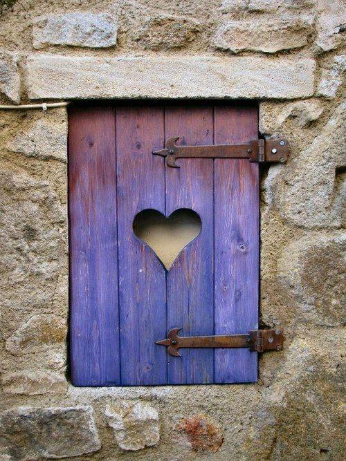ventana con corazón
