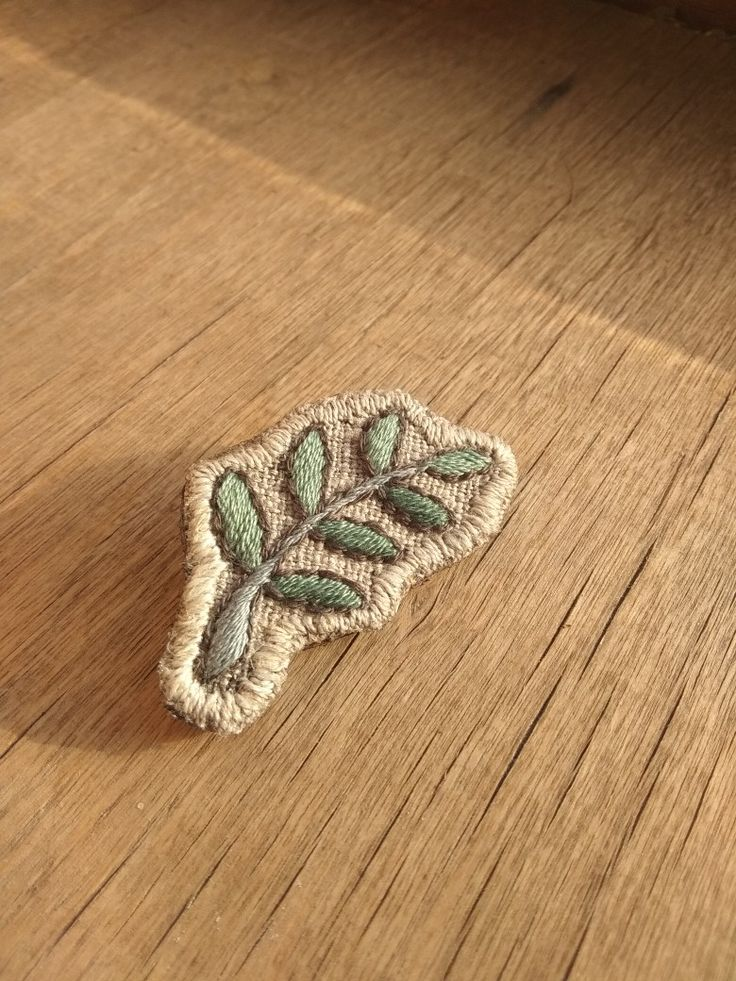 Handembroidery broosch. #boho #leaf #leaves #forest #woods #natural #linen