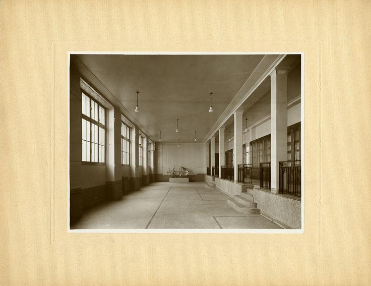 Paris Claude Bernard, salle des machines (actuelle salle des élèves), photographie ancienne / © Musée du Vivant - AgroParisTech