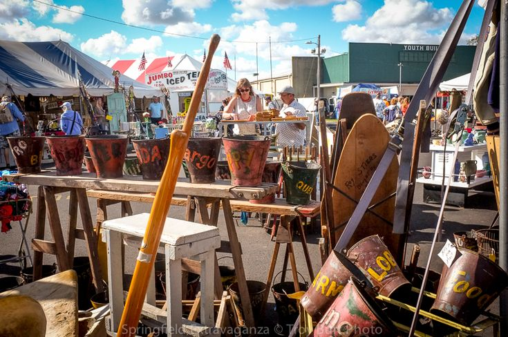 Springfield Antique Show & Flea Market The Springfield Antique Show and Flea Market has been a favorite source for thousands of collectors and dealers for over twenty-five years. Whatever you're looking for; fine period furniture or funky fifty's rattan, bakelite