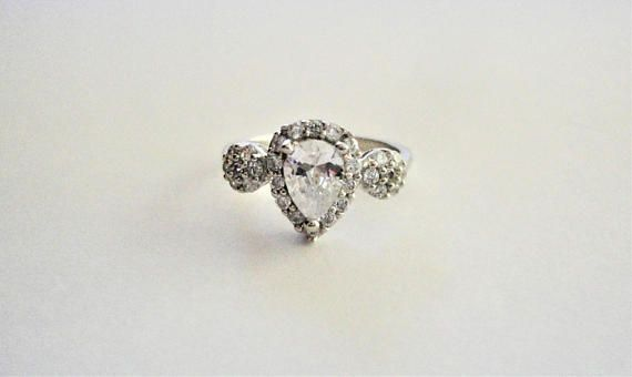 Clear/White Natural Pear cut Diamond Simulated 925 Sterling