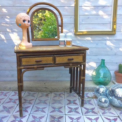 Les 25 meilleures id es de la cat gorie coiffeuse meuble for Coiffeuse avec miroir ancienne