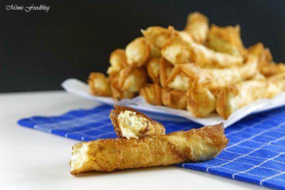 Selbst gemachte Börek sind schnell gemacht. Die leckeren gefüllten Teigrollen können sowohl mit Hackfleisch, Spinat oder bspw. Frischkäse gefüllt werden.