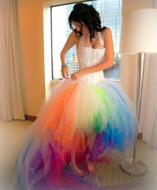 Robe De Mariage Country Style Rainbow Wedding Dresses 2017 New Arrivals Colorful Gothic Beach Short Front Long Back Bridal Gown