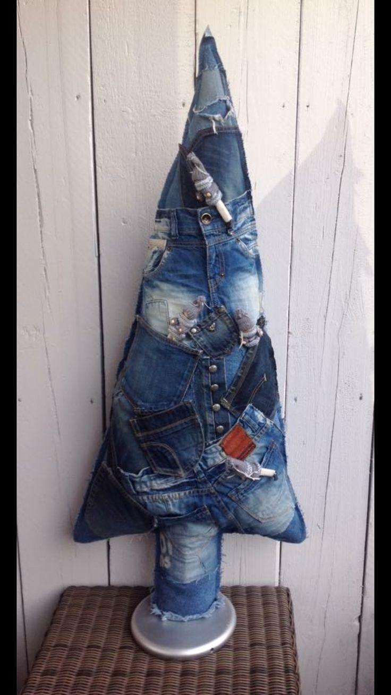 Kerstboom van oude jeans