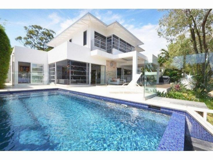 Stunning architect designed holiday rental with its own pool and jetty! Sleeps 9. #noosa #holidaystyle @HomeAway Australia