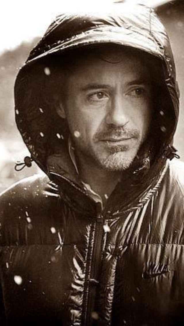.RDJ in the rain, NYC