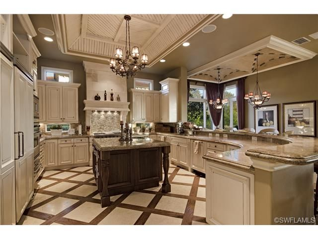Traditional Formal Gourmet Center Island Kitchen With Wrap