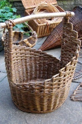 SPIRAL STEP BASKET | Brown Willow & Hazel | CAROL DE LA POLE