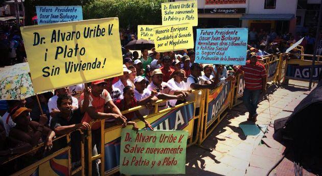 Uribe y las polémicas pancartas , Nación - Semana.com - Últimas Noticias