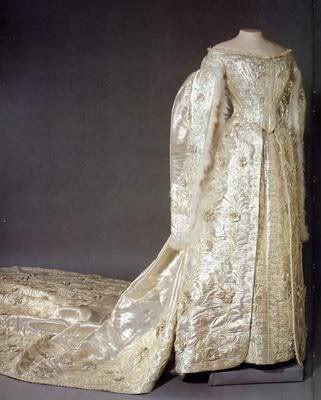 101 best images about Russian Theme on Pinterest ... Alexandra Romanov Wedding Dress