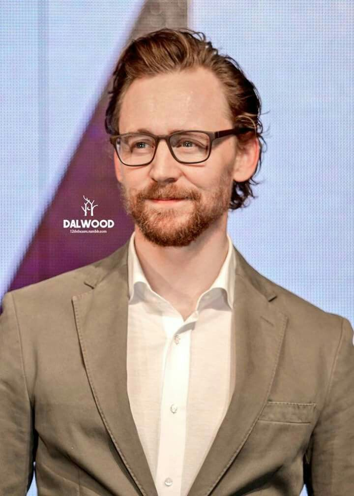 84308be7346b47 Pin by Mackenzie Perkins on Tom Hiddleston (aka the epitome of good looks  and moral perfection)   Pinterest   Tom hiddleston, Toms and Loki laufeyson