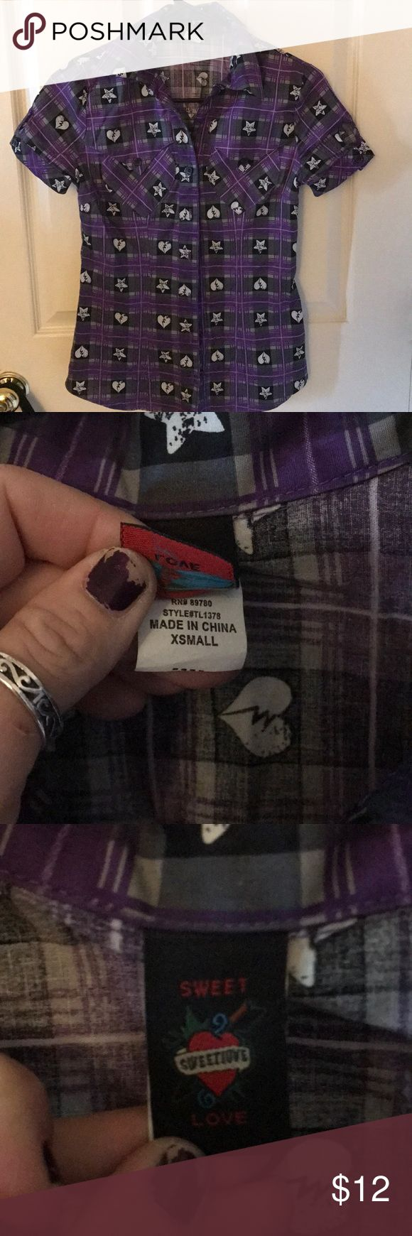 Purple Heart and star shirt size xsmall Short sleeve button up purple plaid shirt with hearts and stars   Xsmall  From hot topic   Worn only a couple times. In like new condition Hot Topic Tops Button Down Shirts