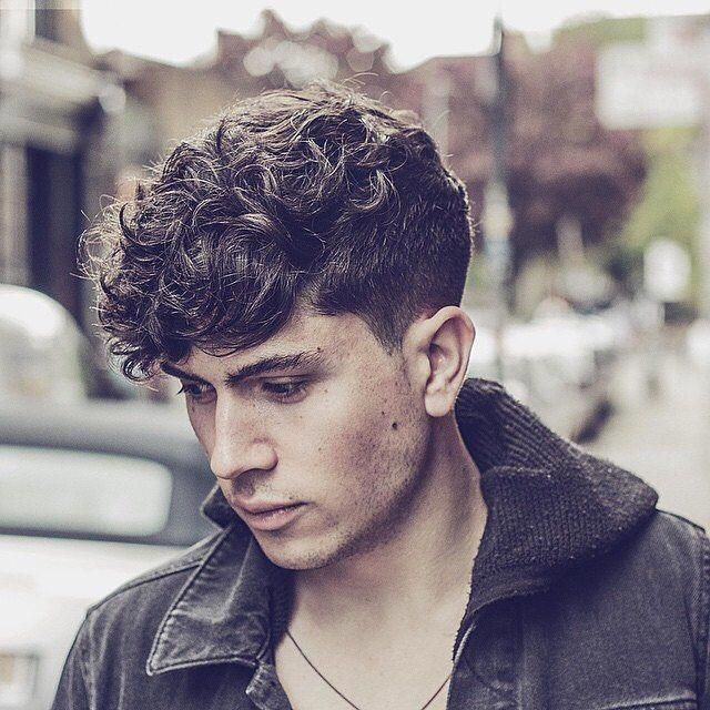 Cool Simple Short Mens Hairstyles Simpleshortmenshairstyles Curly Hair Men Mens Hairstyles Curly Short Curly Haircuts