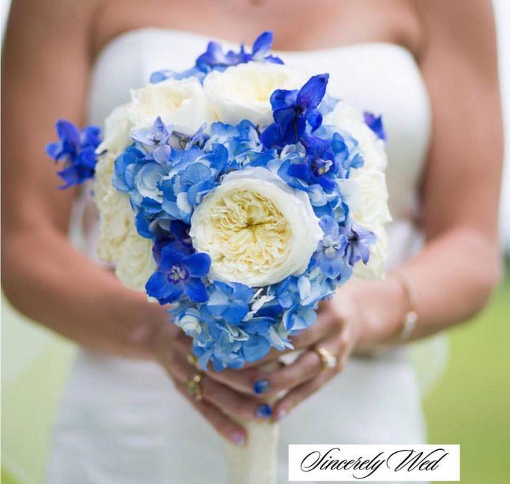 #blueandwhiteweddingideas #somethingblue #bridesbouquet #weddingflowers #summerweddings #springweddings www.sincerelywed.com