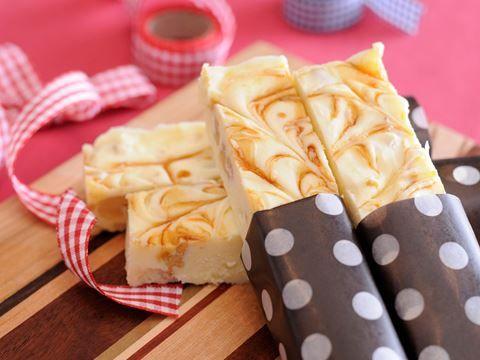 ホワイトチョコとマーブルしょうゆのチーズケーキバー  https://recipe.yamasa.com/recipes/1884