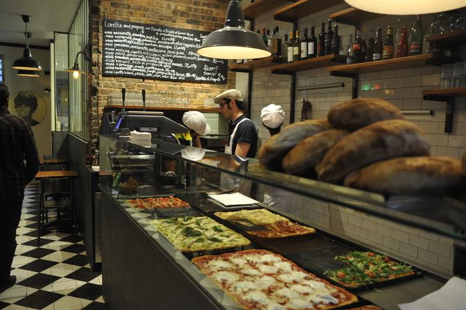 Restaurant Pizza di Loretta in Paris