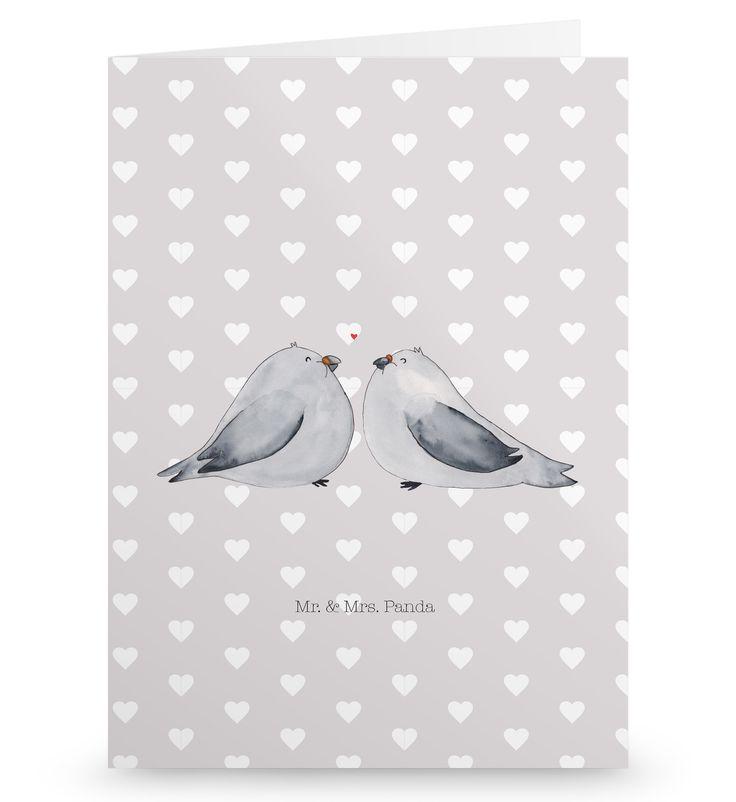 Grußkarte Turteltauben Liebe aus Karton 300 Gramm  weiß - Das Original von Mr. & Mrs. Panda.  Die wunderschöne Grußkarte von Mr. & Mrs. Panda im Format Din Hochkant ist auf einem sehr hochwertigem Karton gedruckt. Der leichte Glanz der Klappkarte macht das Produkt sehr edel. Die Innenseite lässt sich mit deiner eigenen Botschaft beschriften.    Über unser Motiv Turteltauben Liebe  Das Gefühl verliebt zu sein und seinen Verbündeten gefunden zu haben ist unbezahlbar. Die süßen Turteltäubchen…