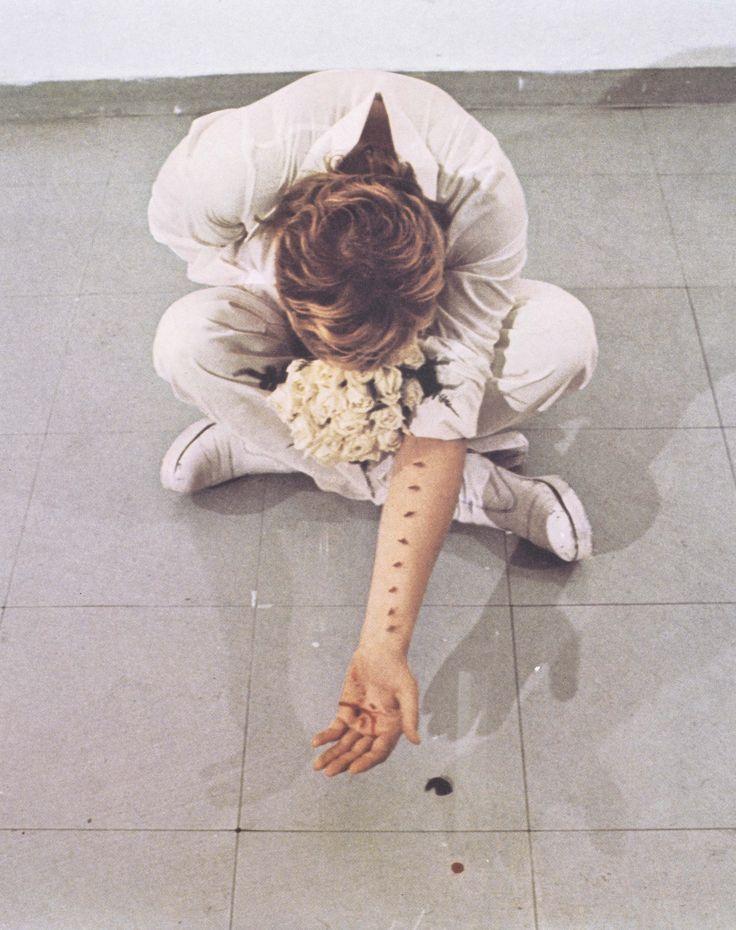 Gina-Pane-Azione-sentimentale-1973.jpg (1280×1618)