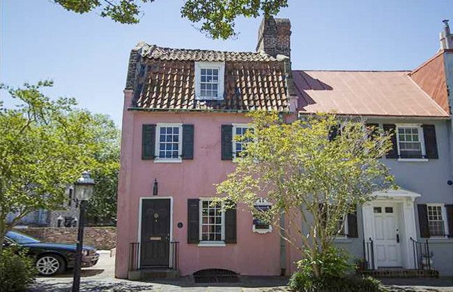 This unique gem is the oldest building in Charleston and one of the most historic properties in the United States. Though the exact construction date is unknown, historic records indicate that The Pink House may date back as early as 1672 making it the second oldest masonry building in the country.