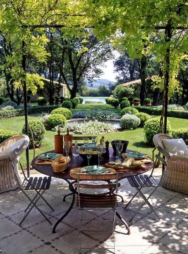 Nice to sit in this garden!