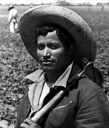 bracero program The bracero program was an agreement between the us and mexican  governments that permitted mexican citizens to take temporary agricultural work  in the.