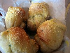 Pizza Hut(™) Garlic Knots – The Restaurant Recipe Blog
