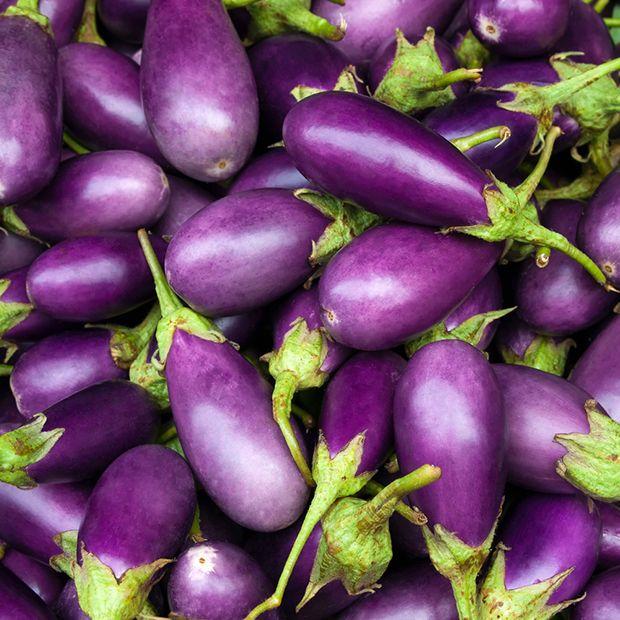 Alimentos roxos que são ricos em antioxidantes. Isso porque os eles baixam o colesterol e previnem doenças cardíacas.