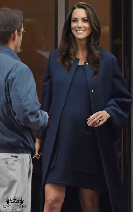 Kate Middleton in #blue #navy #outfit