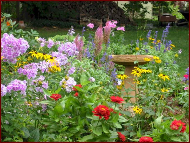 High Quality I Love This Informal Style Garden Bed With The Bird Feeder