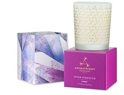 Evoke a sense of calm and inner peace to your surroundings with the fortifying combination of frankincense and cardamom to inspire. Elegantly designed and beautifully embellished, this candle will create an atmosphere to uplift the senses in any room.