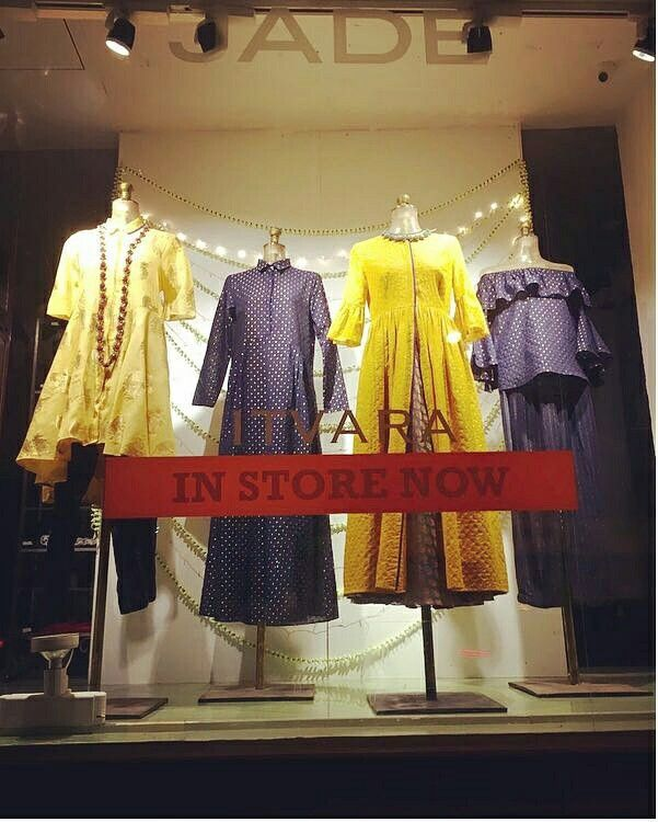 Vivid hues and bright festive lights adorn our luxury prêt store, Amoh at Peddar Road! #luxurypret #sustainablefashion #AmohbyJade #jadecouture #monicakarishma