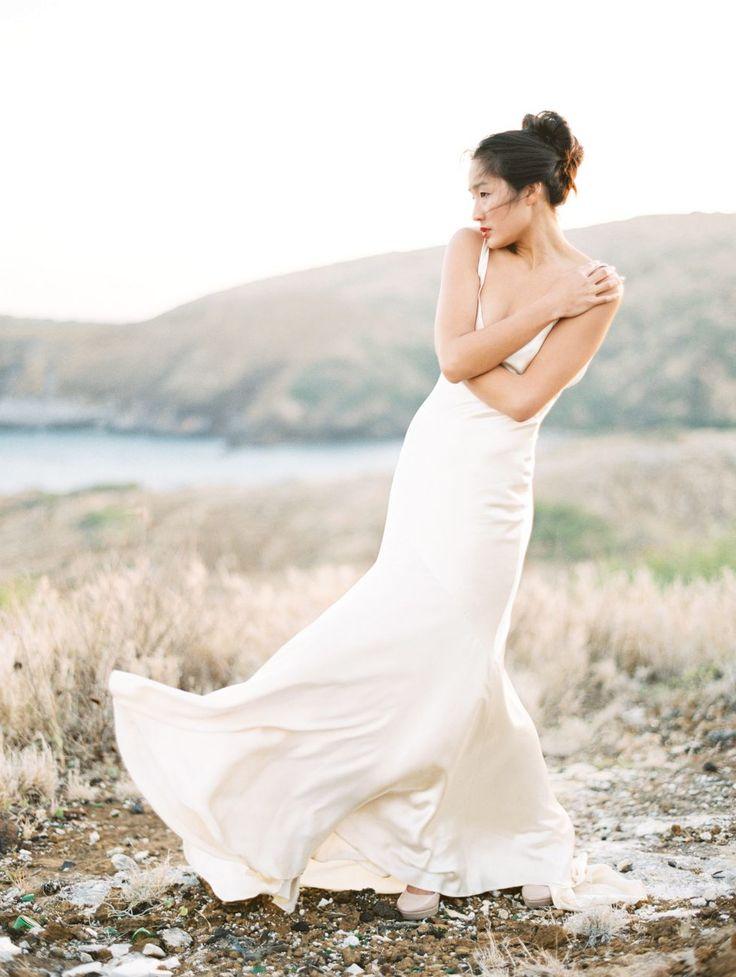 Photography: Christine Clark Photography  # ハワイ #ロケーションフォト #ウェディング #インスピレーション #ウェディングドレス