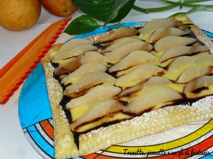 Torta sfogliata alla crema e pere