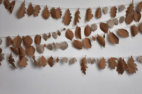 Christmas 'leaf' garlands made for utt's Ty Unnos Welsh cottage utt's Ty Unnos cottage decorated for Christmas. Further info: http://www.underthethatch.co.uk/tyunnos