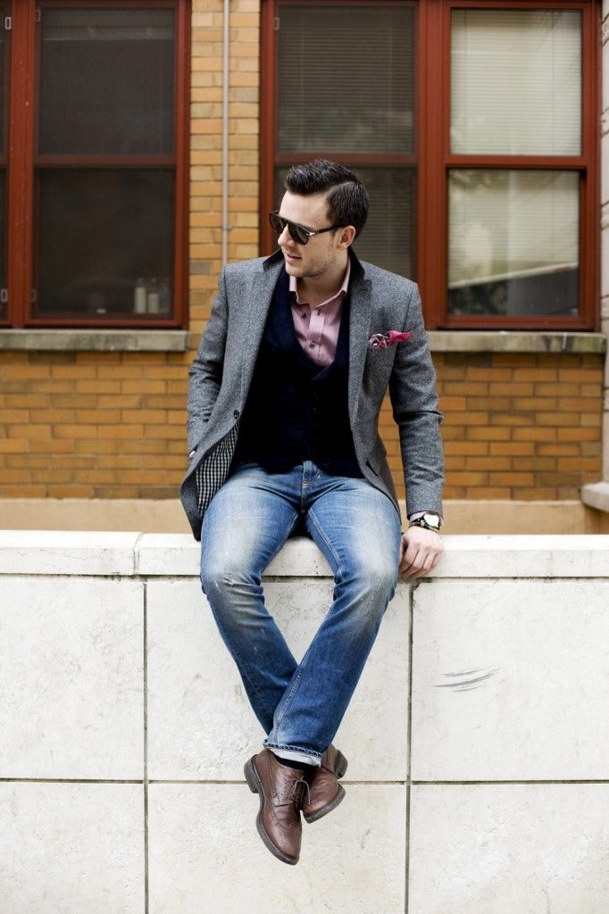 nice combo, corduroy vest. You can wear this with faded jeans like here or even dress pants